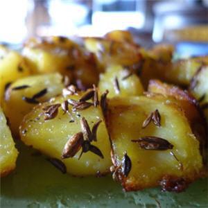 pommes de terre sautées au carvi (cumin)