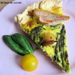 tarte aux asperges, saint-jacques et filets de rouget