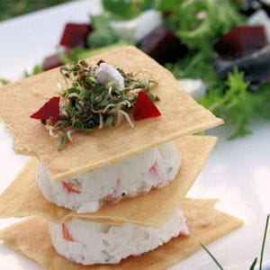 millefeuille surimi façon cheesecake, petite salade