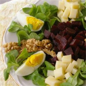 que du bon dans cette salade 20 recettes anti ballonnements journal des femmes. Black Bedroom Furniture Sets. Home Design Ideas