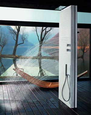 bloc monolithique douche l 39 italienne l gance dans la salle de bains journal des femmes. Black Bedroom Furniture Sets. Home Design Ideas