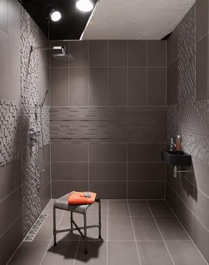 pour un petit espace douche l 39 italienne l gance dans la salle de bains journal des femmes. Black Bedroom Furniture Sets. Home Design Ideas