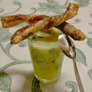 gaspacho d'ananas et ses torsades au pavot