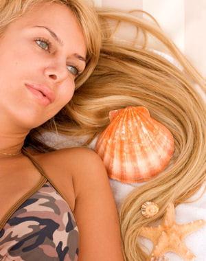 texturiser ses cheveux avec l'eau de mer