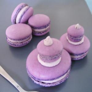 macarons façon religieuse cassis-violette