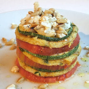 mille-feuille d'omelette tomate-courgette-chèvre