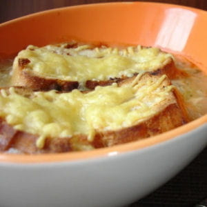 soupe gratinée à l'oignon