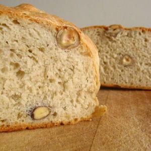 pain à la farine de bise et aux noisettes