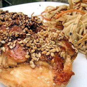 poulet laqué aux graines de sésame