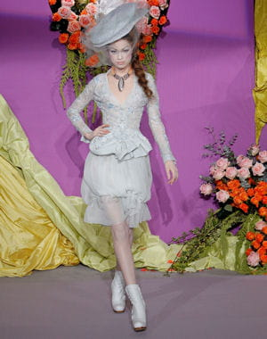 collection haute couture printemps/été 2010 de dior.