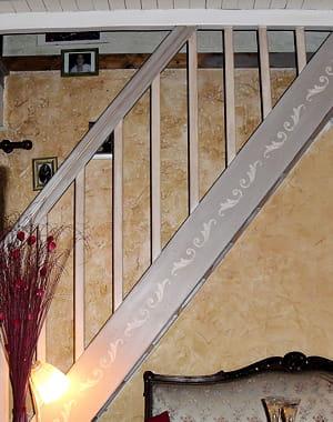 Jolie frise d corative je mets en valeur mon escalier journal des femmes - Decorer son escalier ...