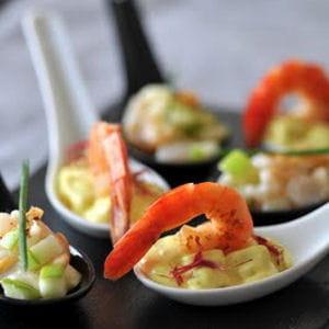 crevettes flambées, sauce curry à l'ananas
