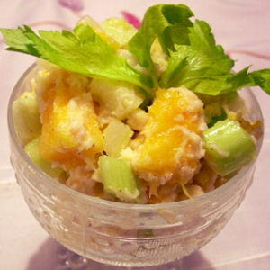 salade de crabe au céleri et à la mangue fraîche