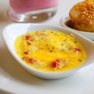 crème brûlée au parmesan, tomates séchées et basilic