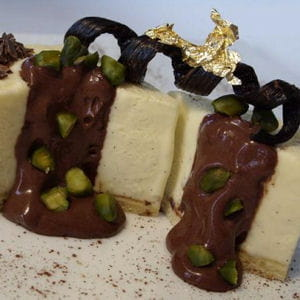 bavarois vanille-pralin, crème choco-pistache