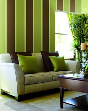 Papier peint rayures vert anis et chocolat de zambaiti for Peinture chambre vert et marron