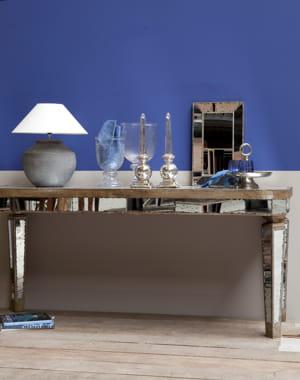 peinture bleu roi de flamant et si on rafra chissait ses murs journal des femmes. Black Bedroom Furniture Sets. Home Design Ideas