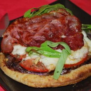 mini pizzas feuilletées aux aubergines et aux tomates