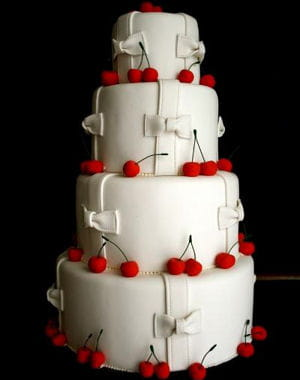 rouge et blanc sugarplum cake shop des g teaux de mariage made in usa journal des femmes. Black Bedroom Furniture Sets. Home Design Ideas