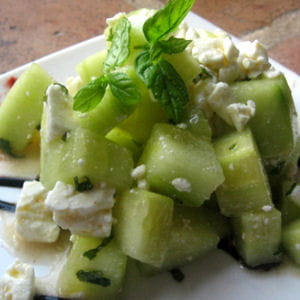 panaché concombre-feta et sa crème de balsamique