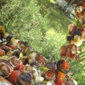 brochettes de lotte aux légumes grillés