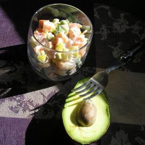verrine de tartare de saumon, mangue, avocat