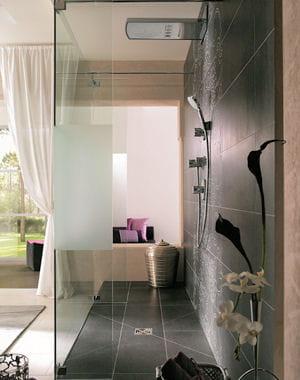 douche l 39 italienne adoptez la tendance journal des femmes. Black Bedroom Furniture Sets. Home Design Ideas