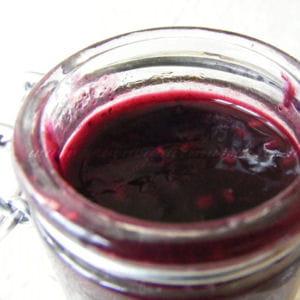 confiture framboises, myrtilles, lychees, rose...