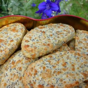 biscuits au comté et graines de pavot