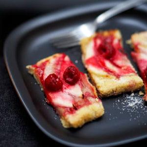 tarte aux poires et aux framboises
