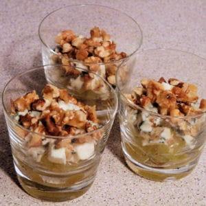 verrine roquefort, noix et raisin