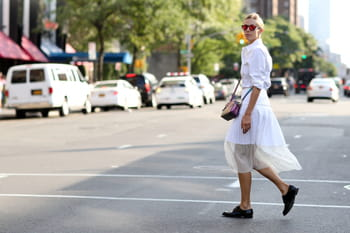 6 astuces pour transformer une tenue de journée en tenue de soirée