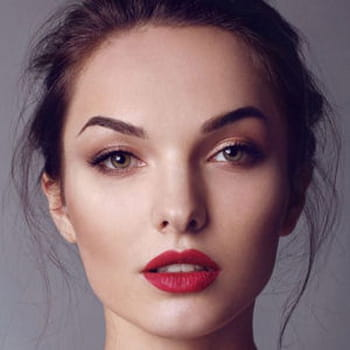 50 idées make-up trouvées sur Pinterest