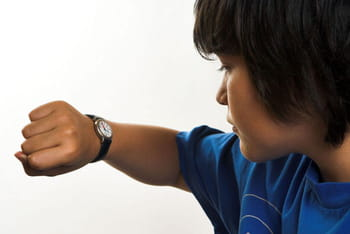 A quel ge acheter une montre un enfant - A quel age une poule pond ...