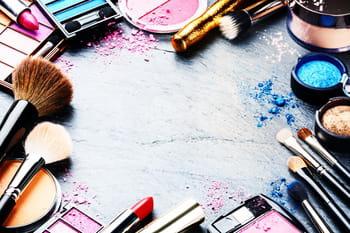 Combien de temps conserver ses cosmétiques ?