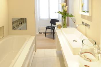 La salle de bains blanche, un indémodable