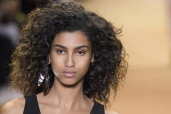 Coiffures afro : toutes les idées pour les cheveux crépus et frisés