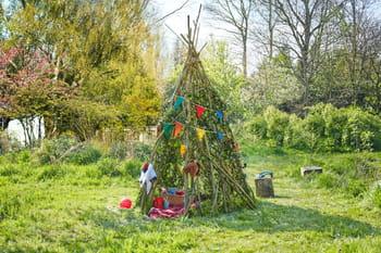 Diy un tipi de jardin pour les tout petits journal des for Tout petit jardin