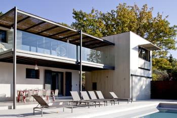 Une maison de campagne transform e par une extension en bois for Agrandissement maison 40m2 au sol