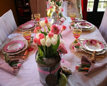 "La table ""Le printemps de Jeannot Lapin"""
