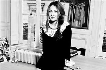 """Delphine Manivet : """"Ce que j'aime passionnément, c'est rendre les femmes belles, très belles"""""""