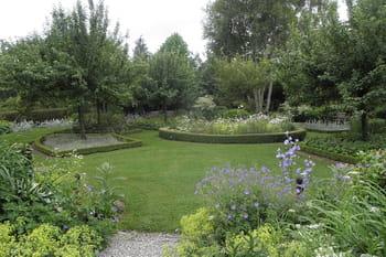 Visitez le jardin de Geneviève
