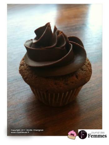 cupcakes au chocolat gla age cr me au beurre au chocolat journal des femmes. Black Bedroom Furniture Sets. Home Design Ideas
