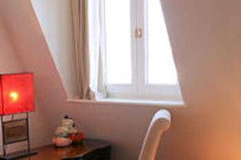 rideau pour fen tres particuli res rideau conseils pour des fen tres d co journal des femmes. Black Bedroom Furniture Sets. Home Design Ideas