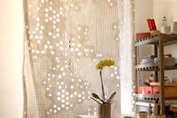 comment bien choisir ses rideaux rideau conseils pour des fen tres d co journal des femmes. Black Bedroom Furniture Sets. Home Design Ideas