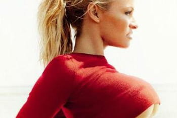 Pamela Anderson enflamme Vogue Brésil