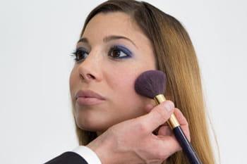 Maquillage : comment prolonger son bronzage