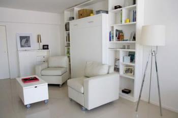 amenagement petite cuisine studio. Black Bedroom Furniture Sets. Home Design Ideas