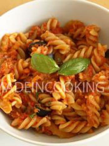 P tes au thon la tomate et aux olives 35 recettes - Cuisiner du thon en boite ...