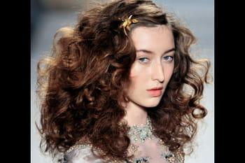 Des Idées de coiffures pour cheveux bouclés